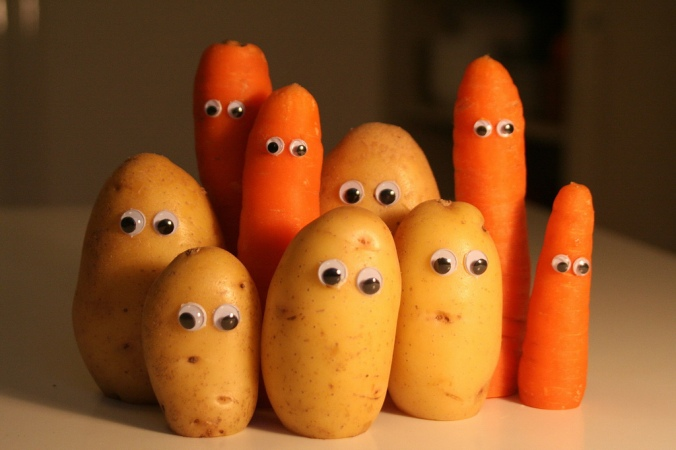 googly-eyed-root-veggies